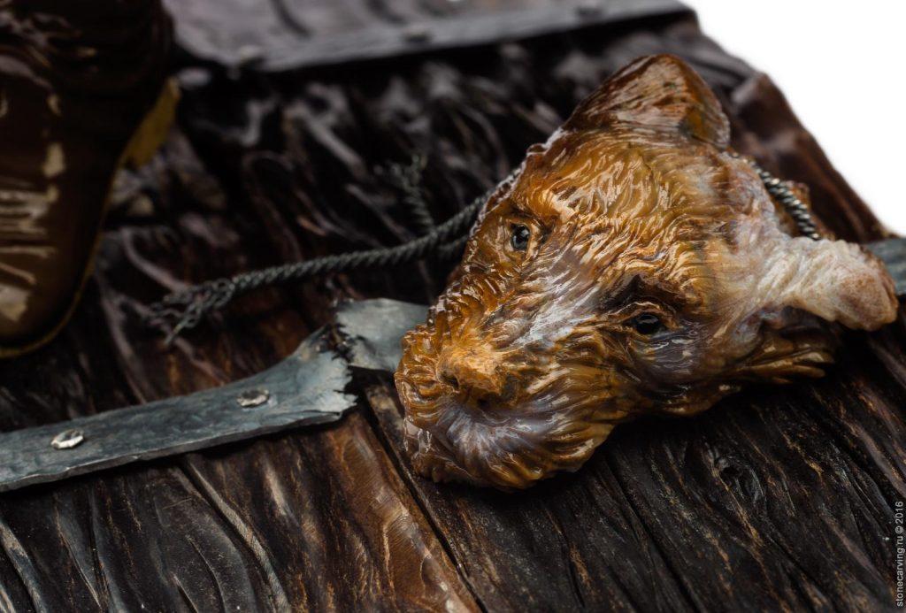 Резьба по дереву: собачья голова